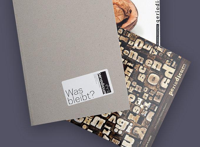 Abbildung von drei Ausgaben periodicum von Egger + Lerch, Foto: © Michael Krebs / Egger + Lerch